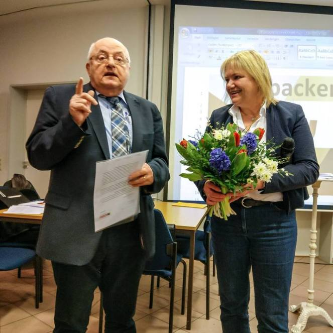 Katja Rathje-Hoffmann ehrt den früheren Dezernenten Dr. Heinz Bischoff für 40 Jahre CDU-Mitgliedschaft