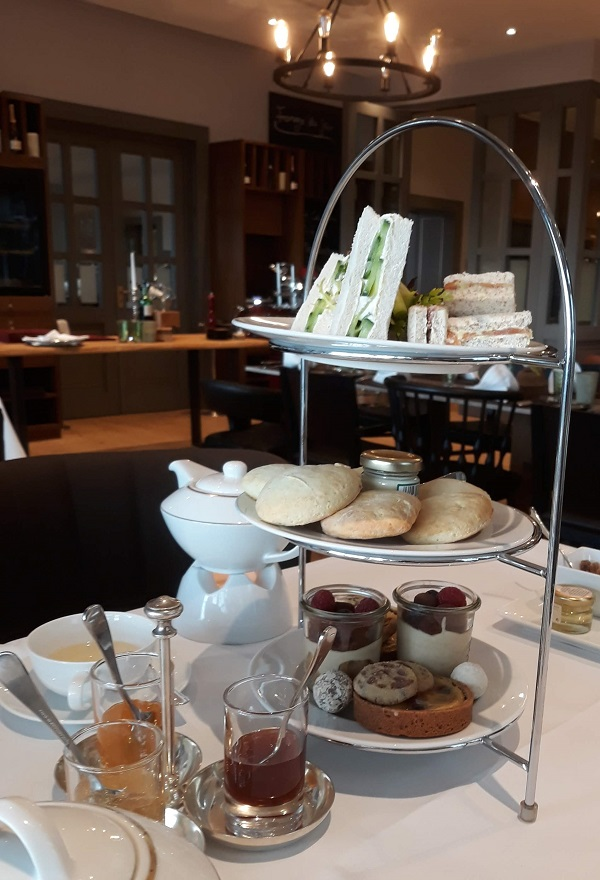 Tea Time im Steigenberger Grandhotel Petersberg